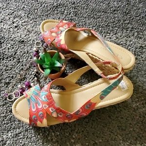 CL by Laundry Red Peacock Design Wedges